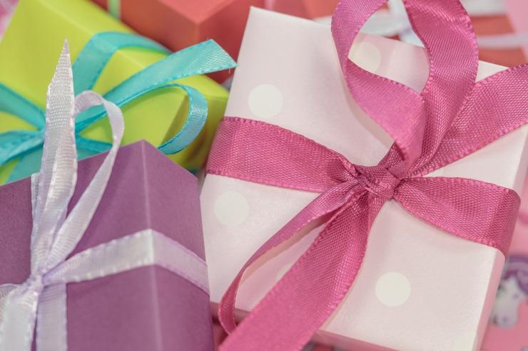 gift-553143_1920.jpg