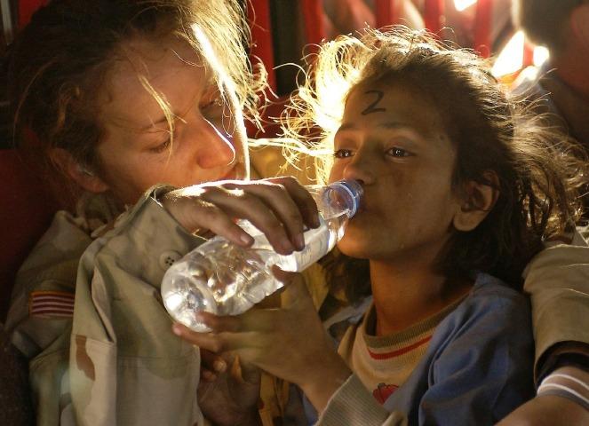 humanitarian-aid-939723_1280.jpg
